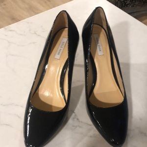 Cole Haan black Womens high heels. Size 7. Guc.